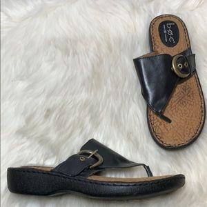 Born BOC Black Leather Buckle Thong Sandals Size 9
